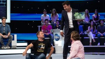 El Monaguillo y Carlos Latre estrenan el Alfabody de 'Me Resbala'
