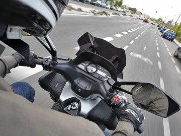 Conduciendo una moto