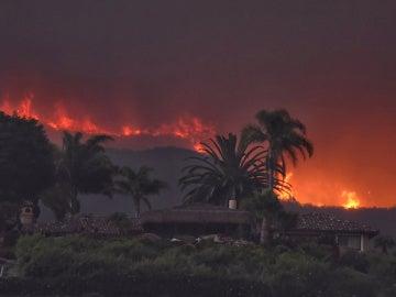 Los incendios forestales obligan a evacuar a cerca de 3.000 personas en California