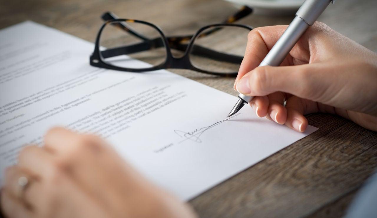 Firma de contrato de trabajo