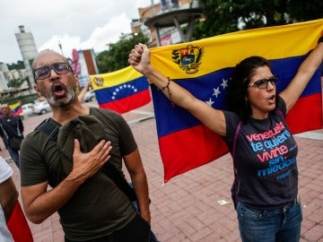 La oposición venezolana habilita 2.030 puntos de participación para referendo