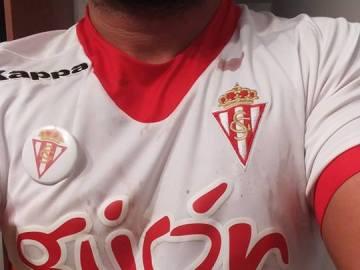 El aficionado del Sporting de Gijón, tras recibir la paliza