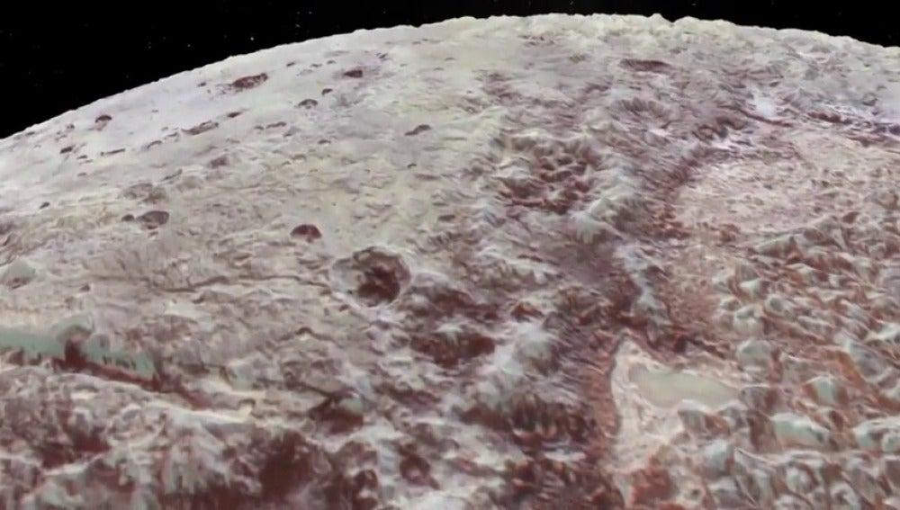 Espectacular vuelo sobre Plutón y Caronte