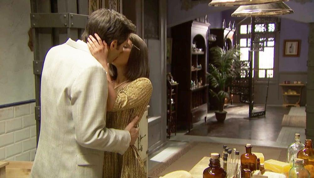 El esperado beso entre Beatriz y Aquilino