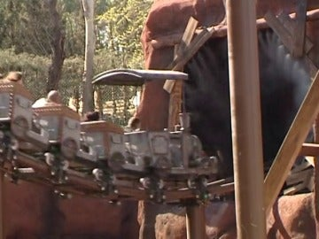 """El colector de uno de los motores de la montaña rusa averiada en Madrid está """"muy deteriorado con las escobillas fundidas"""""""