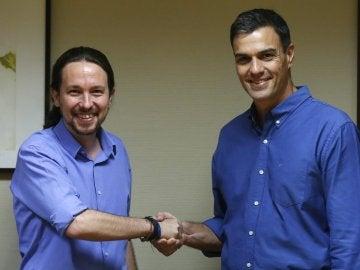 Pablo Iglesias y Pedro Sánchez, durante su reunión