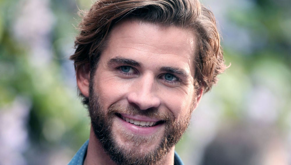 Liam Hemsworth con nuevo look