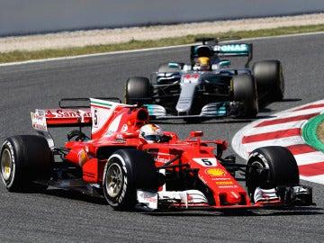 Vettel, por delante de Hamilton en Montmeló
