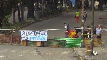 Barricadas y calles cortadas en la primera jornada de huelga en Caracas
