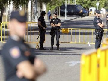 Despliegue policial situado ante la Audiencia Nacional desde primera hora de la mañana