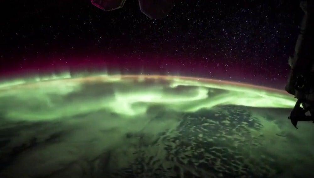 La aurora boreal vista desde el espacio