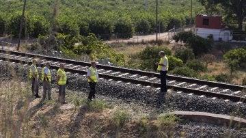 Un maquinista se percató del cadáver de la niña en la vía férrea en Pizarra
