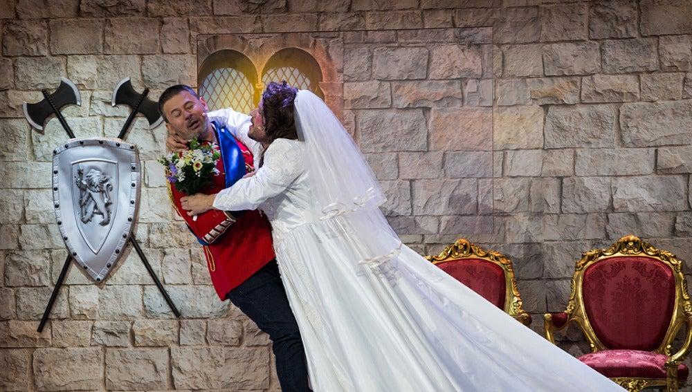 El Monaguillo y Miki Nadal se casan en su 'Gran boda ciega'