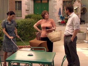 Marcelino le promete una bicicleta a Manolín