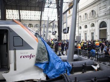El tren de Barcelona que ha chocado en la estación