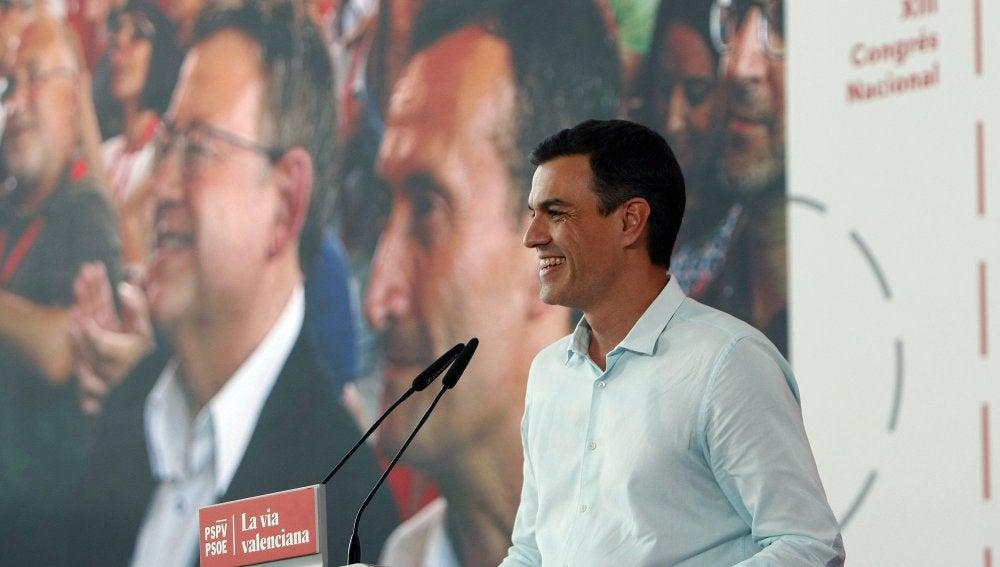 """Sánchez cree que Rajoy es """"tan objetivo"""" haciendo balance de su gestión """"como inocente"""" en los casos de corrupción"""