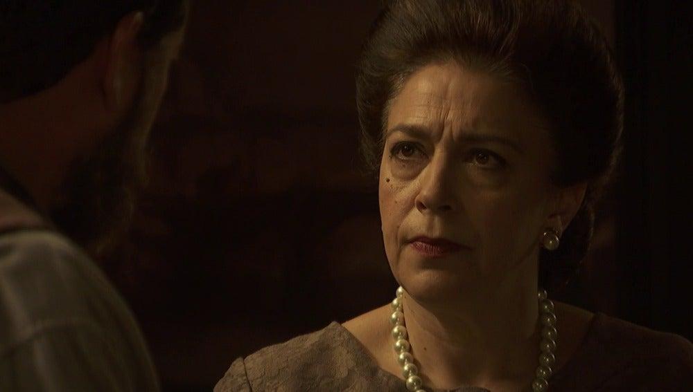 Francisa ordena destrozar la casa de Julieta
