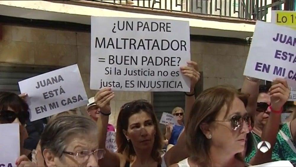 El caso de Juana Rivas pasa a la vía penal y tendrá que comparecer en el juzgado el próximo 8 de agosto
