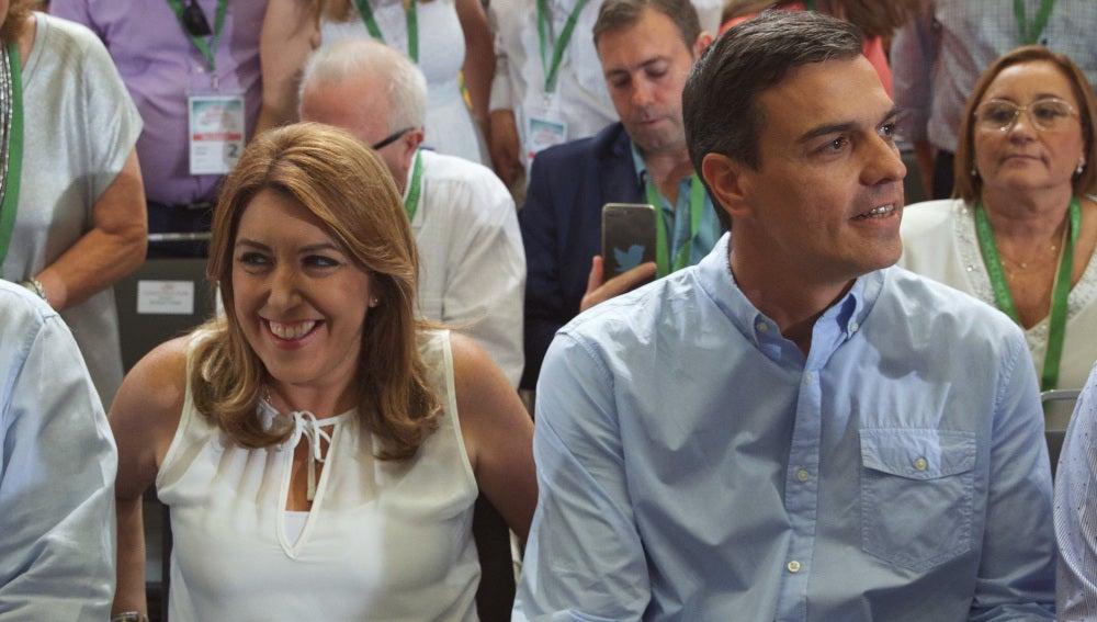 Susana Díaz y Pedro Sánchez, antes de los discursos