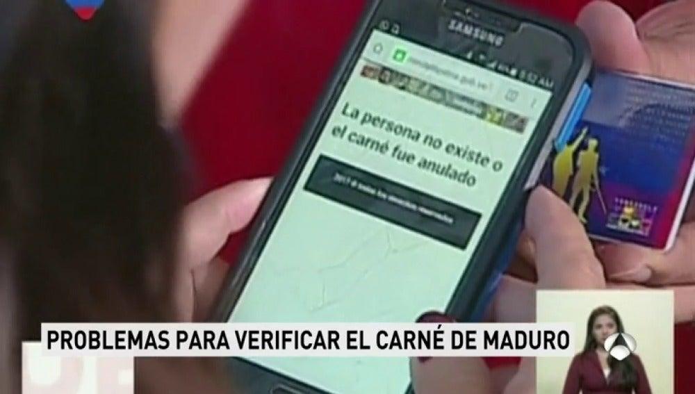 """El 'carné de la patria' boicotea a Maduro cuando pretendía presumir de él: """"La persona no existe o el carné fue anulado"""""""