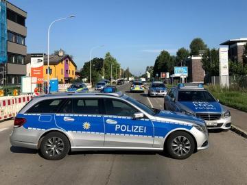 Policía alemana cerca de la discoteca