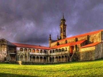 Monasterio en la localidad de Xunqueira de Espadanedo