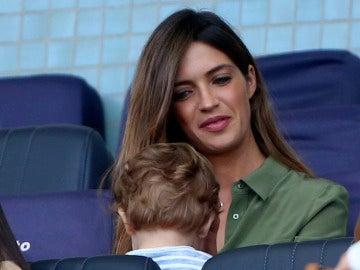 Sara Carbonero junto a su hijo Lucas