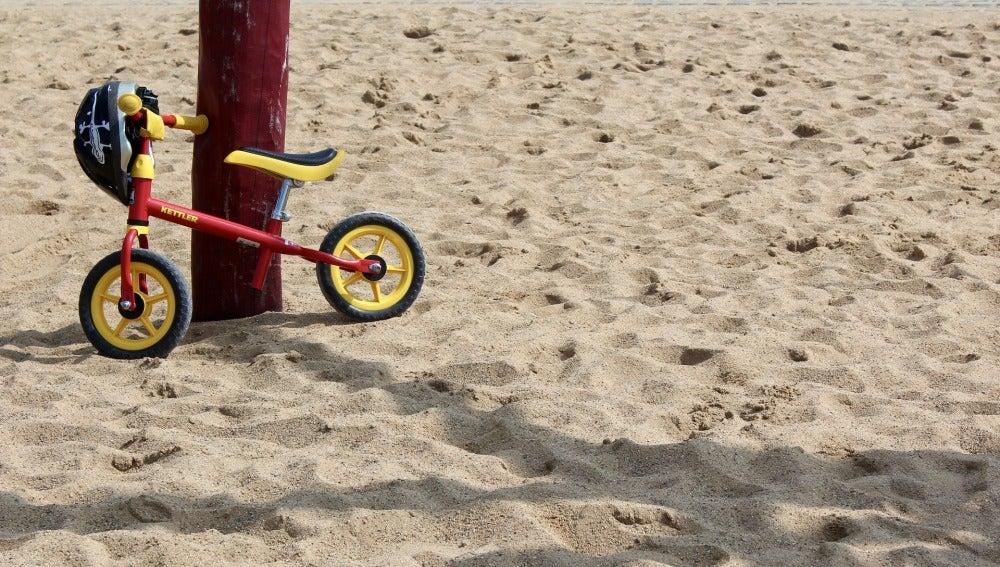 Parque infantil, imagen de archivo