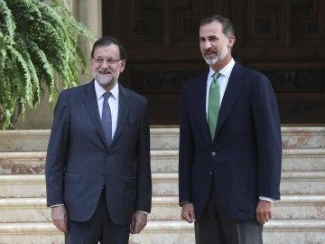 Felipe VI recibe este lunes a Rajoy en el Palacio de Marivent