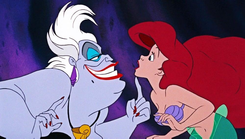 Úrsula y Ariel en un fotograma de 'La Sirenita'