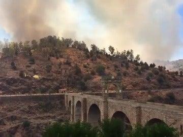 Incendio en Alcántara, junto a puente romano
