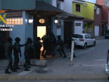 La Guardia Civil detiene a 25 personas que prestaban servicios a organizaciones de narcotraficantes