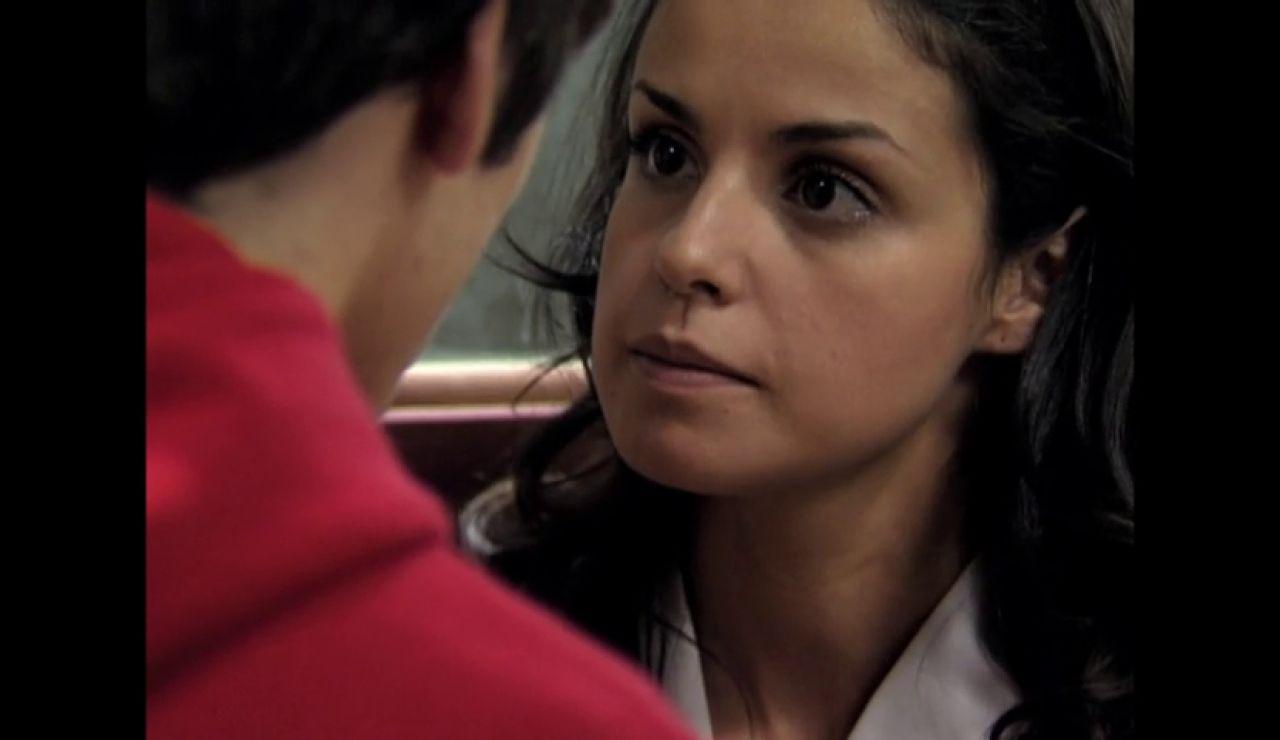 """¿Qué actriz de El Internado ha escrito la novela """"Marta & Rufus (la felicidad era eso)""""?"""