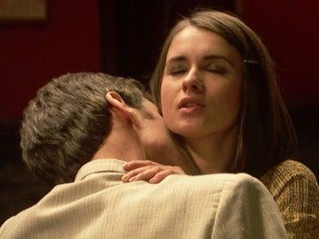 La pasión entre Beatriz y Aquilino en su nidito de amor secreto