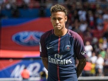 Neymar durante la presentación