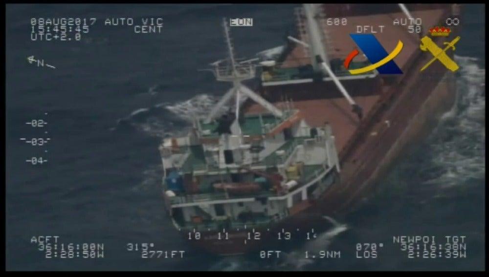 La Agencia Tributaria aborda un buque mercante con 600 fardos de hachís al sur de Almeríaa