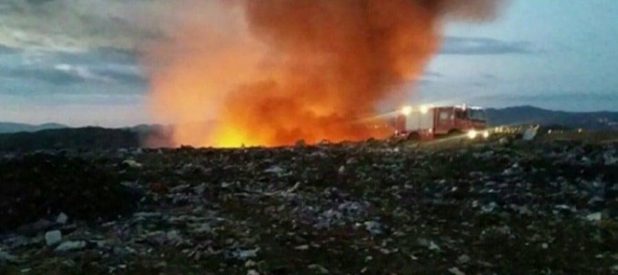 Antena 3 tv los bomberos dan por controlado el incendio for Oficina 555 caixabank