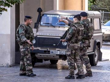 Militares en París