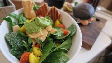 Las ensaladas pueden ser más o menos calóricas en función de sus ingredientes.