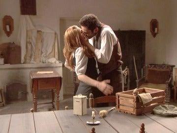 La pareja más feliz de Puente Viejo: Saúl y Julieta