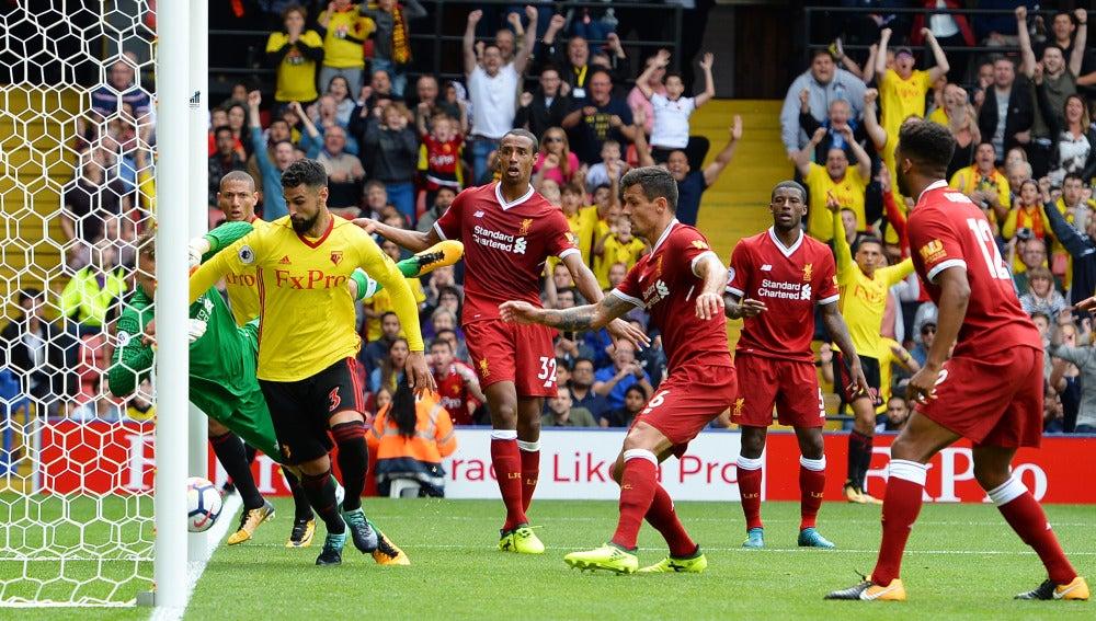 Gol durante el partido entre el Watford y el Liverpool
