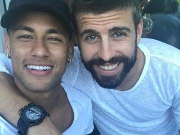 Gerard Piqué y Neymar.