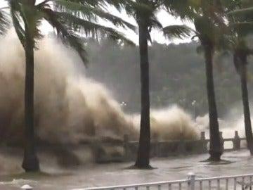 Tifón Hato deja tres muertos en Macao y numerosas inundaciones en Hong Kong