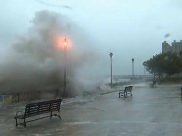 Un tifón deja tres muertos en Macao y numerosas inundaciones en Hong Kong