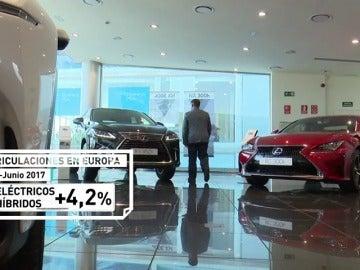 Los coches de gasolina superan en ventas a los diésel en España