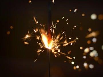Explosión de petardo, imagen de archivo