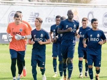 Iker Casillas se entrena con Óliver Torres en el Oporto