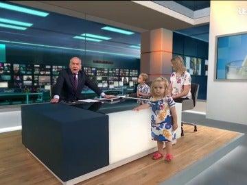 Una niña revoluciona una entrevista en directo en la televisión británica