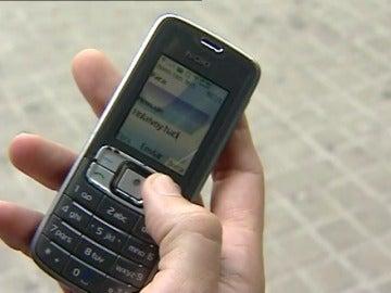 Los españoles sólo leemos la mitad de los Whatsapps