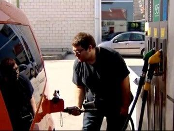 Galicia da vía libre a las gasolineras sin empleados.